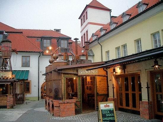 Бюджетные отели с видом на памятники культуры