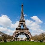 Эйфелева башня заиграет