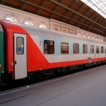 Австрийские железные дороги указали туристам места для поцелуев